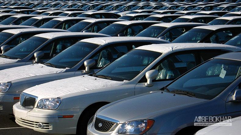 خسروتاج: امسال بیش از یک میلیارد دلار خودرو وارد کشور شد