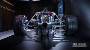 بررسی سیستم تعلیق AMG پروژه یک؛ شاهکار مهندسی آلمانی