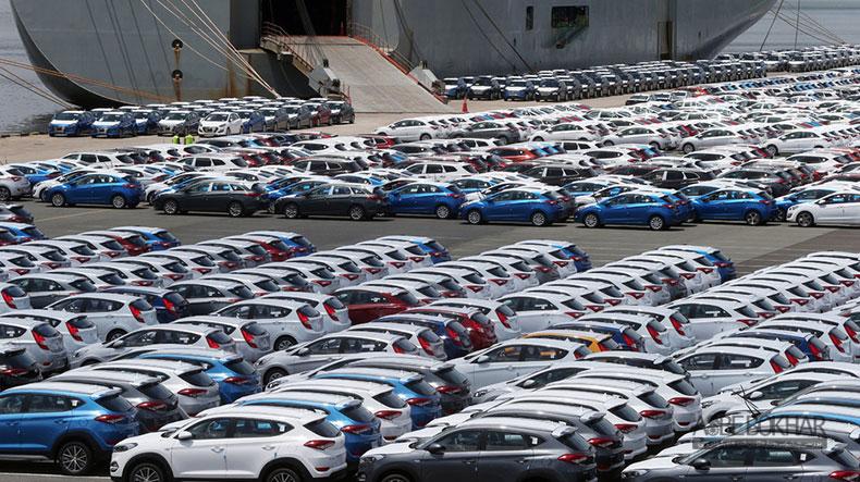 ترخیص ۵۰۰۰ خودرو به مشکل خورد