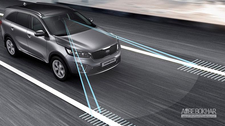 کاهش چشمگیر تصادفات با سیستم هشدار انحراف از مسیر