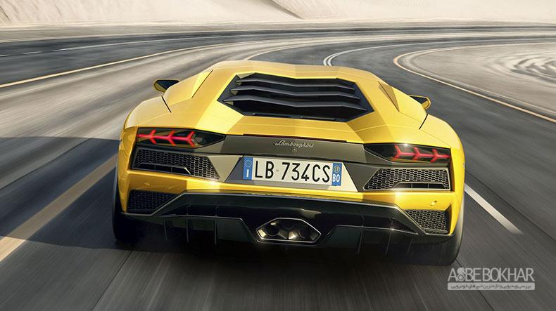 لامبورگینی همچنان از پیشرانههای V8 و V12 استفاده خواهد کرد