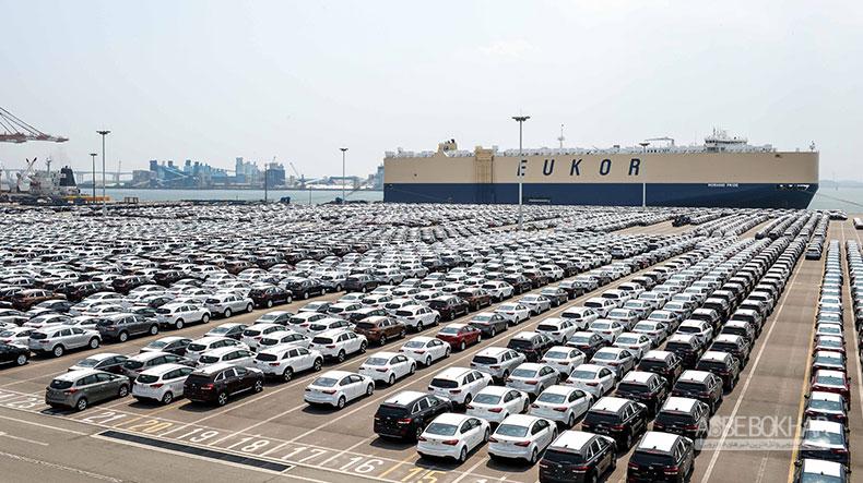 خودروها دپو شدهاند/ قیمتها باید کاهش یابد