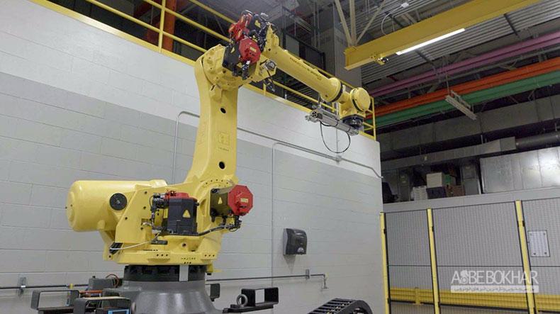 عملکرد دیدنی ربات نیسان در آزمایش درب خودرو