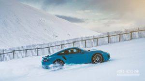 قدرتنمایی پورشه در تپه های برفی